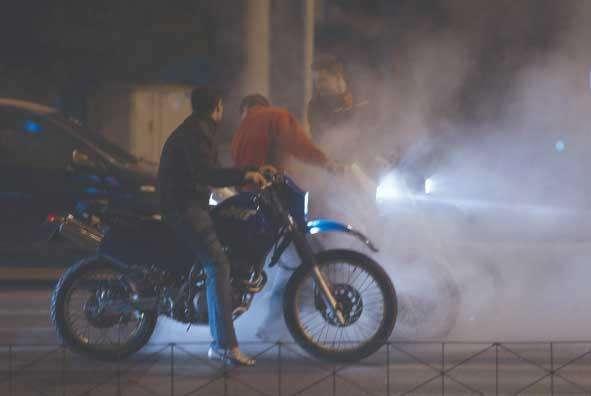 Κέρκυρα: Κόντρες, σούζες και αυτοσχέδιοι αγώνες ξανά στα Γουβιά – Συλλήψεις και κατασχέσεις από την ΕΛ.ΑΣ.